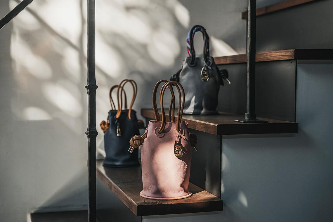 オリジナルのバッグや小物など